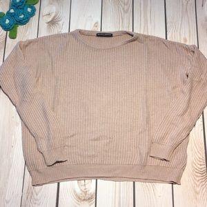 Brandy Melville women's lightweight knit sweater